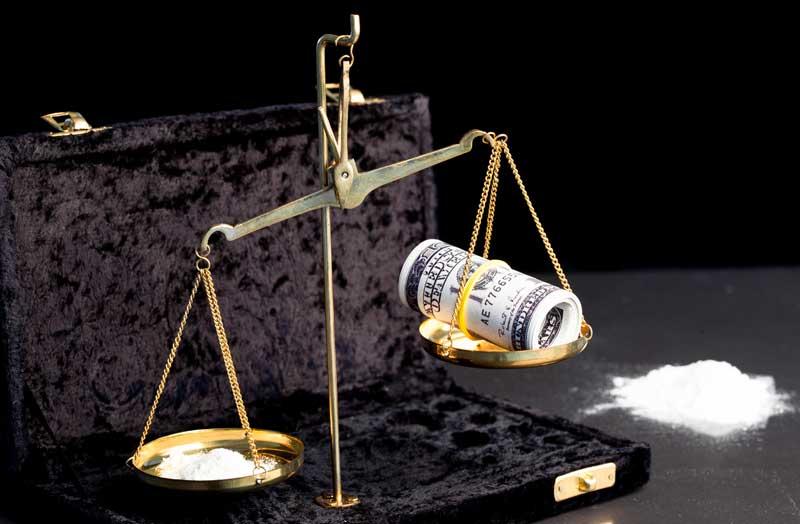 החזקה, שימוש עצמי וסחר בסמים