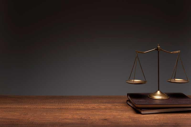 כיצד בוחר משרד עורכי דין את עורכי הדין שלו?